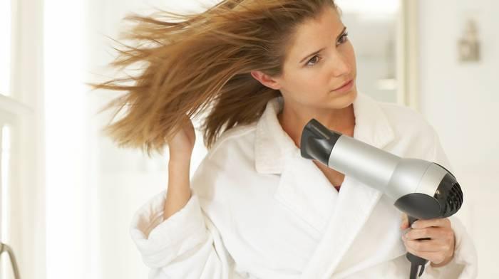 Фен для волос: виды и преимущества