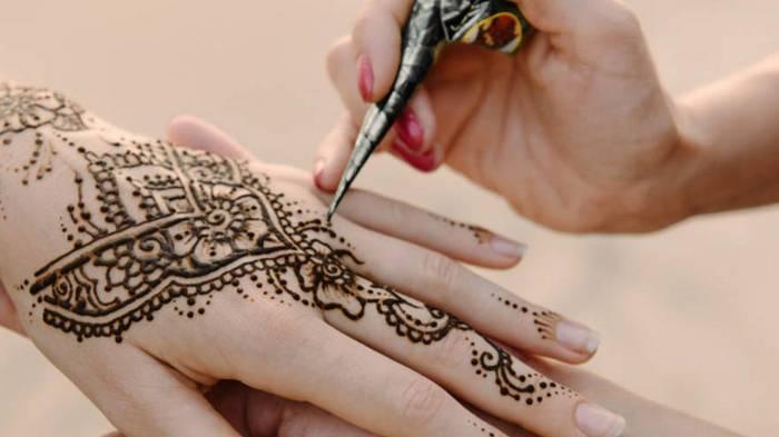 Временные татуировки хной. Красота, да и только