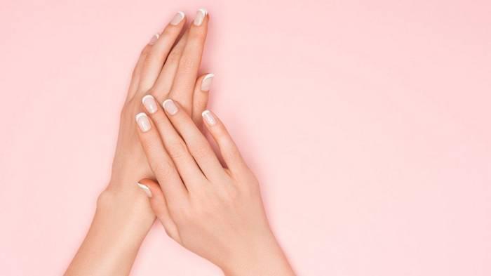 Стоит ли отказываться от цветного лака для ногтей