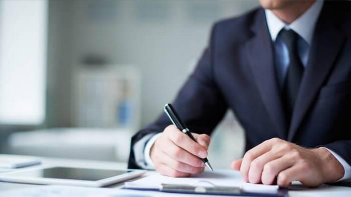 Адвокатское бюро или штатный юрист – что лучше?