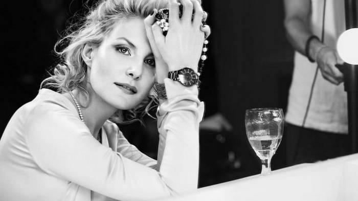 Правила красоты 50-летней Ренаты Литвиновой: минимум сна, чтение и хорошее вино