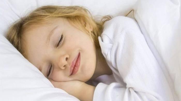 Заботливые родители никогда не позволят ребенку поздно лечь спать! Это очень опасно для него