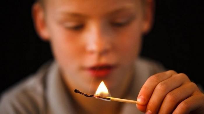Если разгорелся пожар! Эти 3 простые правила спасут ваших детей