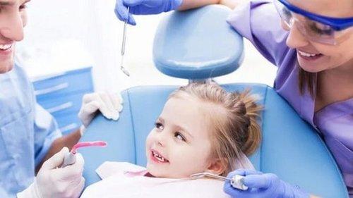 Лечение зубов детям: инновационные методы и материалы