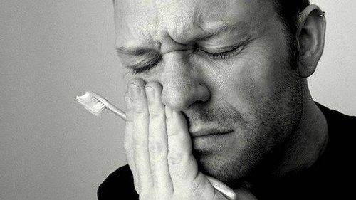 Как снять зубную боль? С помощью самых простых средств ты справишься с...