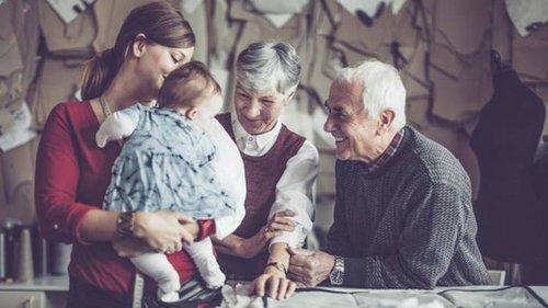 Почему умные родители не желают жить вместе со взрослыми детьми