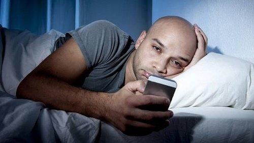 Перестань использовать свой смартфон перед сном