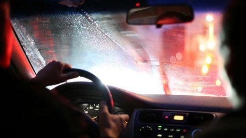 Почему запотевают окна в автомобиле?