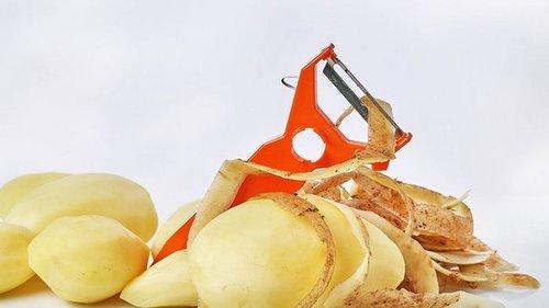 Почему стоит собирать картофельные очистки