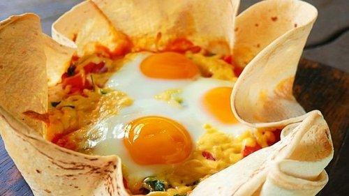 Рецепт хрустящей яичницы в лаваше