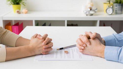 Семейный развод в ЗАГСе и суде