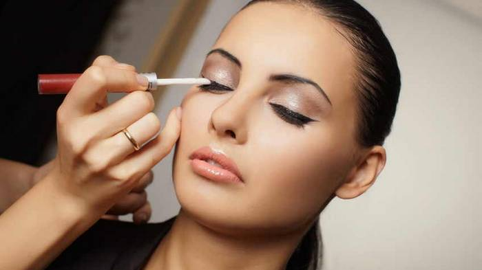 ТОП-10 ошибок в макияже, которые могут добавить тебе несколько лет