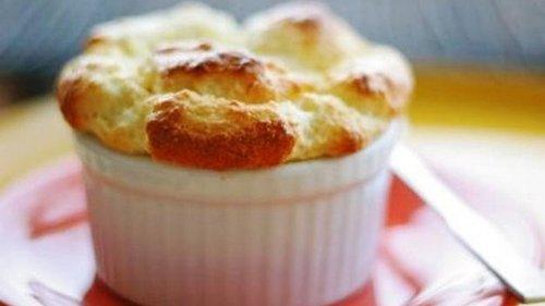 Это, пожалуй, самый простой способ приготовить сырное суфле