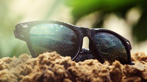 5 гениальных трюков для удаления царапин с очков