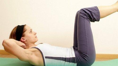 Как укрепить мышцы брюшного пресса: 8 упражнений для изумительной фигу...