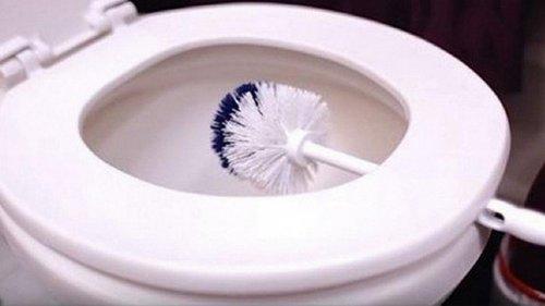 Теперь ты никогда не застелешь сиденье унитаза туалетной бумагой