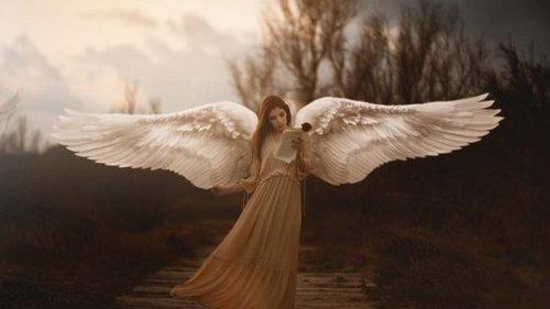 Вот 11 признаков того, что тебя посещает ангел-хранитель