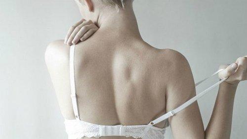 Ученые объяснили женщинам, почему нельзя носить бюстгальтер постоянно