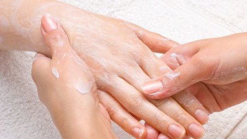 Молочный воск! Теперь это мой любимый метод, кожа белоснежная, гладкая...