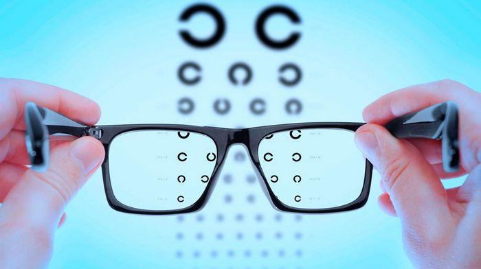Что лечит офтальмолог и как найти профессионала