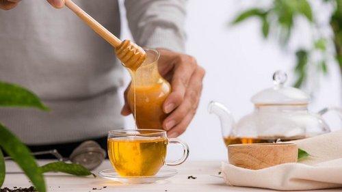 Для чего необходимо отведать теплой воды с мёдом сразу после пробужден...