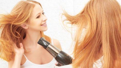 Непростительные ошибки при сушке волос феном