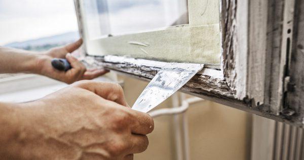 Покраска деревянных окон и балконов, которая держится годами