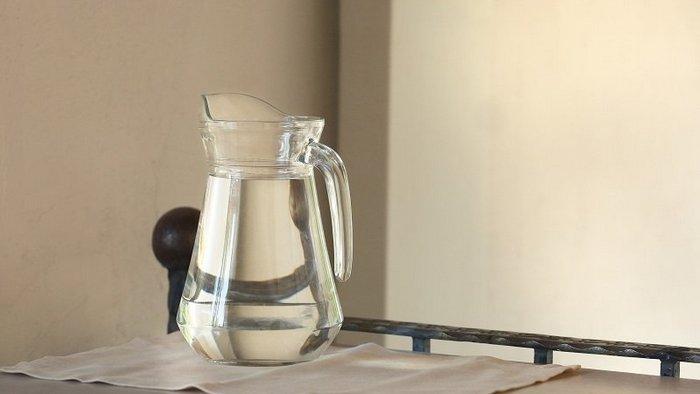 Солью можно смыть даже грехи, ставлю под кровать стакан соленой воды