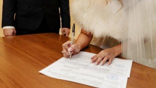 За что гражданский брак окрестили дорогой в никуда