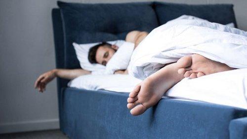 В какой позе спать, чтобы финансы приумножились
