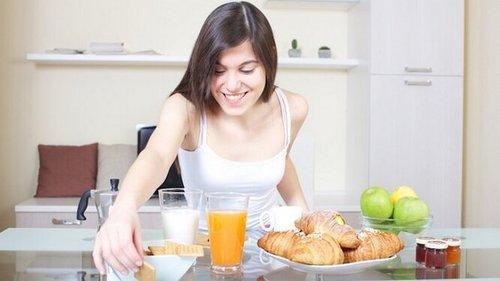 6 ежедневных привычек, чтобы разогнать метаболизм — всего за 5 минут в...