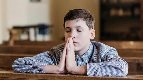 Священник научил, чем заманить подростка в церковь, если он сопротивля...