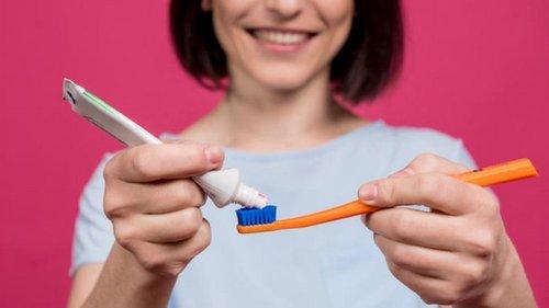 Причины хранения зубной пасты на кухне