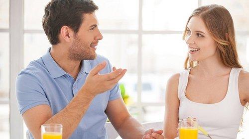 Слушает и прислушивается: 10 знаков, что он вас уважает