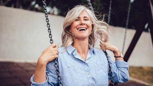 Лучшие годы позади? 5 мыслей о возрасте, которые мешают нам быть счастливыми