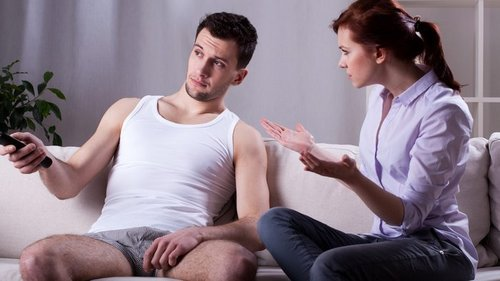 Как уложить мужа на диван и испортить себе жизнь