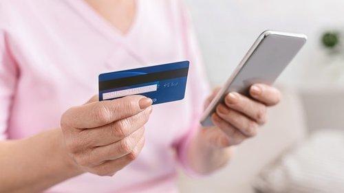 С вашей карты списали деньги: 5 способов распознать телефонных мошенни...