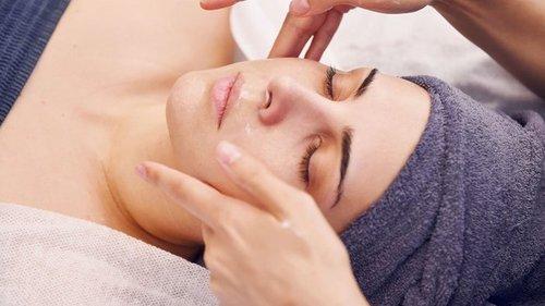 Безопасная красота: какие процедуры для лица можно делать летом?