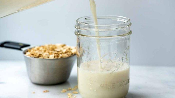 Что такое овсяное молоко и с чем его едят