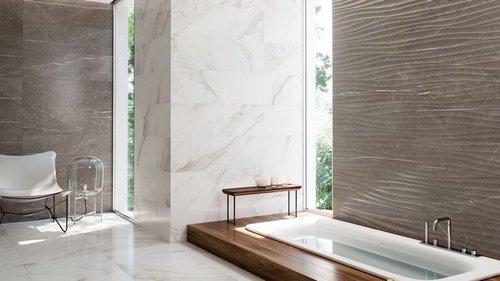 На что обратить внимание при выборе плитки у ванную комнату?