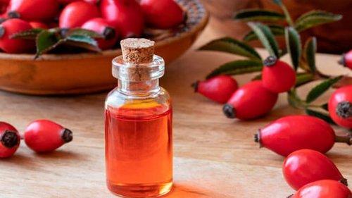 Восемь преимуществ масла шиповника для кожи